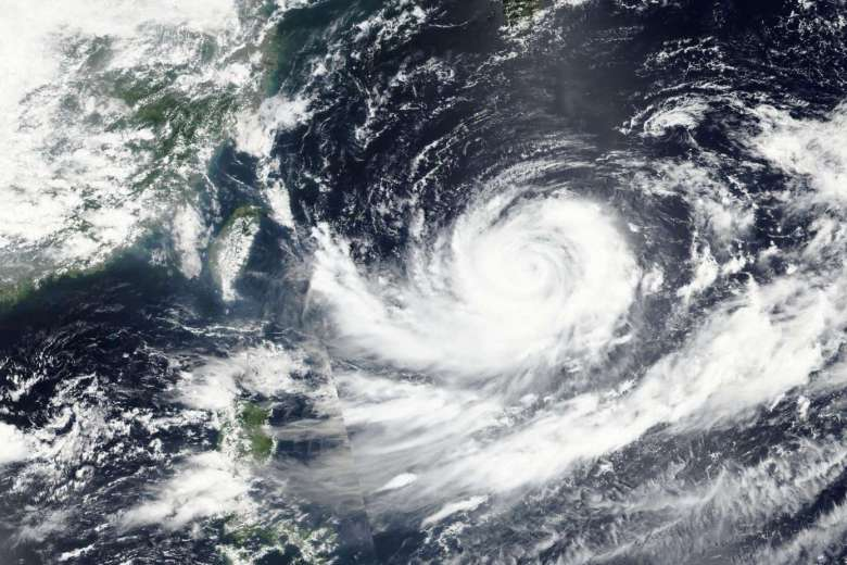 29-39653065_-_27_08_2016_-_space_japan_typhoon_lionrock