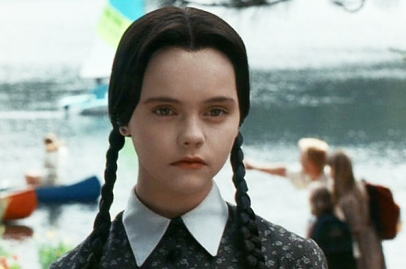 how-much-like-wednesday-addams-are-you-actually-2-16999-1461947585-0_dblbig.jpg