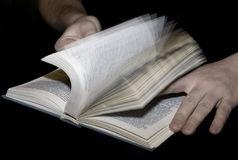 reading-7173797.jpg