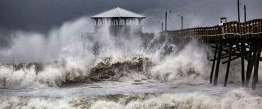 hurricane-florence-north-carolina-waves-ap-jef-180913_hpMain_12x5_992.jpg